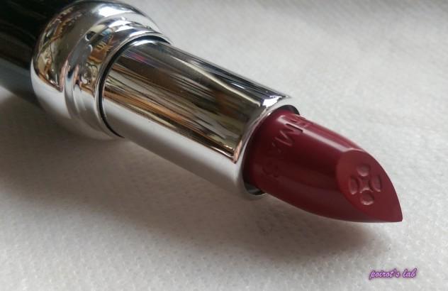 farmasi-red-lip